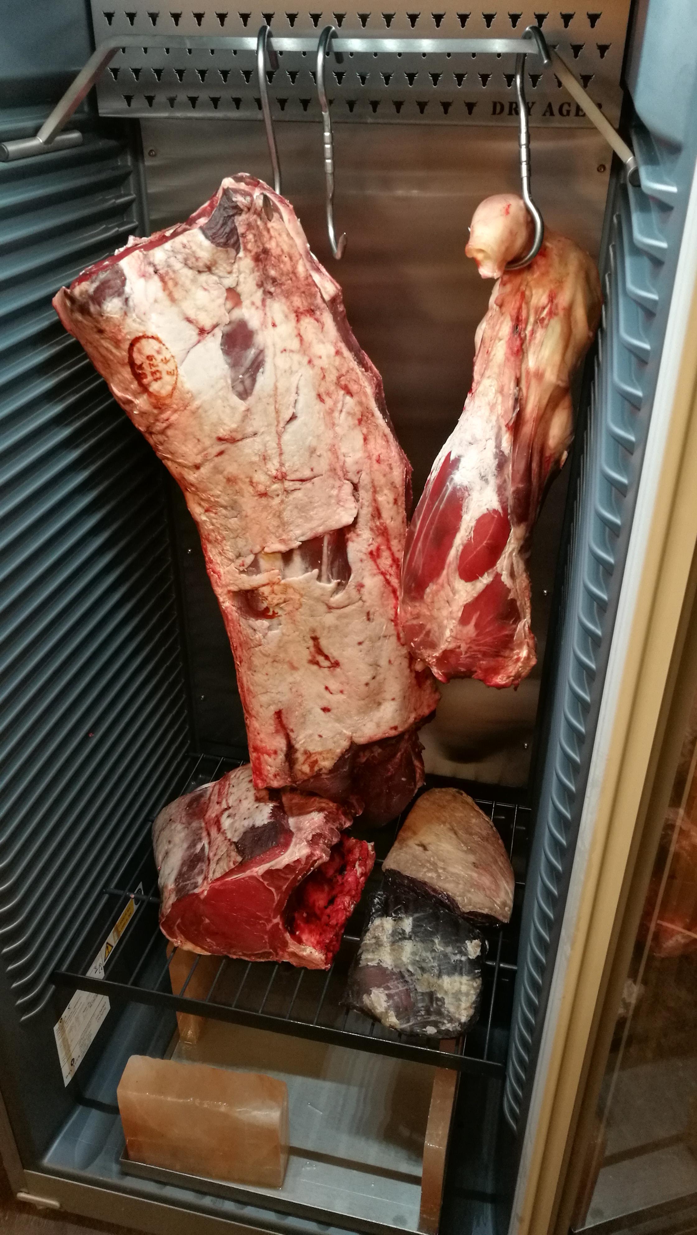 Modningsskab med kød