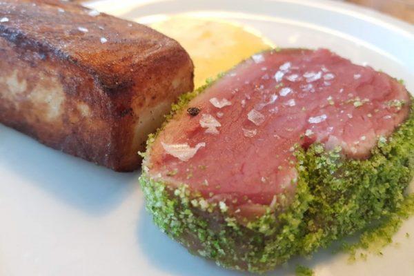 Lækker oksemørbrad Sous Vide med krydderurterasp