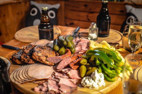 Skal du holde en stor fest med masser af lækkert kød på menuen?